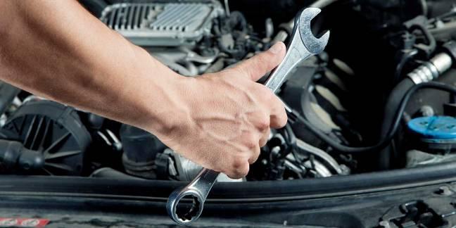Perawatan Mobil Matic Vs Manual Untuk Pengguna Profesional