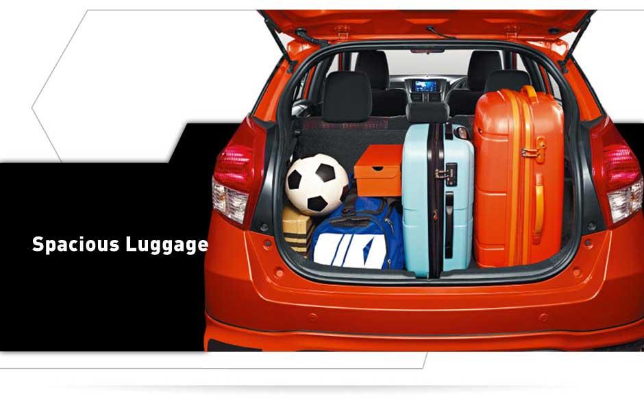 interior dalam all new yaris bagian belakang Spacious luggage