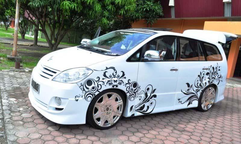 Modifikasi Mobil Kijang innova Bagian Exterior