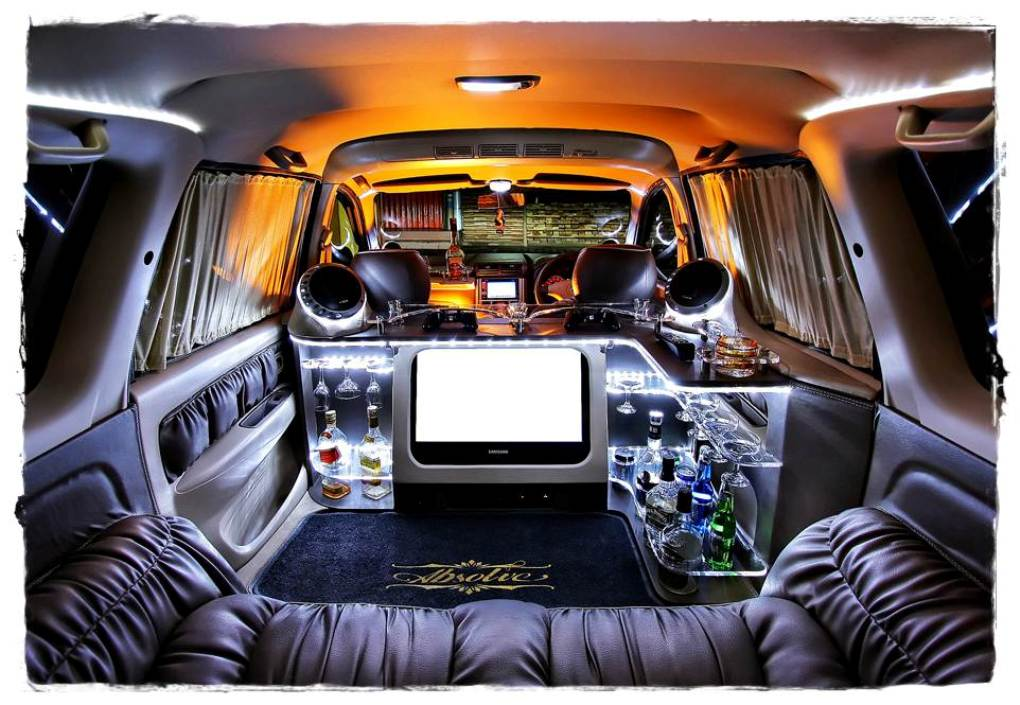 gambar modifikasi interior mobil toyota avanza
