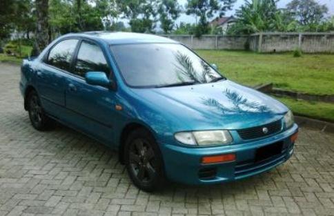 mobil bekas murah Mazda 323 Familia Tahun 1997