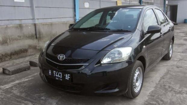Mobil Toyota Limo 2009 harga 78 juta an