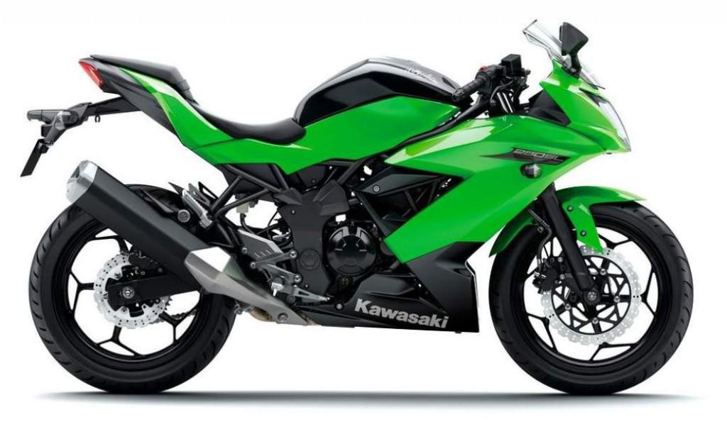 Motor hijau Kawasaki Ninja 250 Mono 250cc harga 42 jutaan