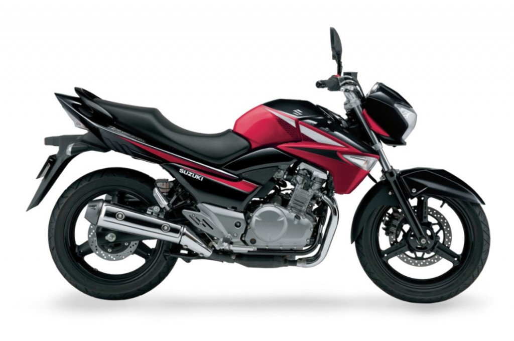 motor 250cc Suzuki Inazuma 250 warna menarik