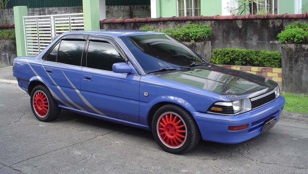 Toyota Corolla 1990 harga 45 jutaan mobil sedan bekas keren warna biru