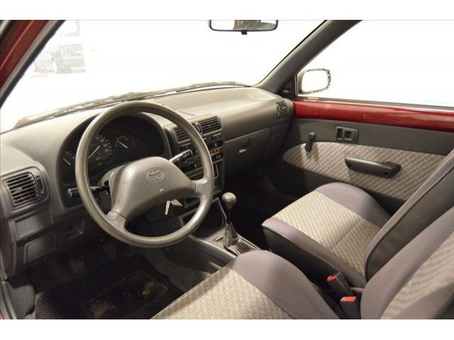 interior Toyota Starlet mobil sedan bekas murah