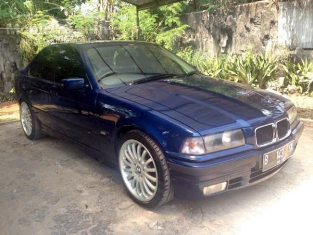 Harga Mobil BMW Seri 318i Tipe E36 M43 bekas