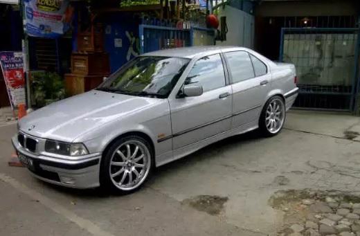 harga Mobil BMW 323i E36 matic murah