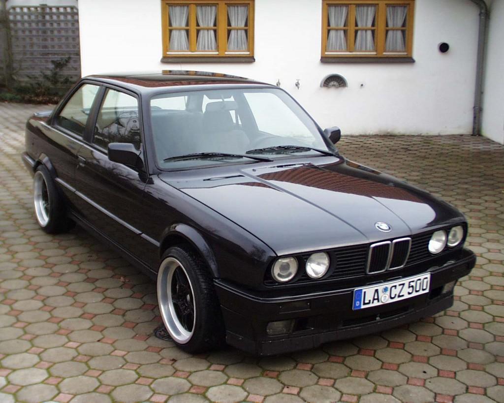mobil bekas BMW 318i E30 1997