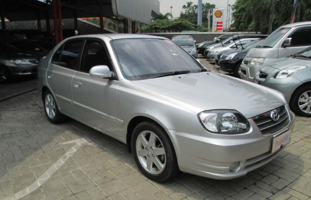 Hyundai Avega 2010 abu abu