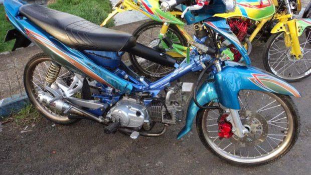modifikasi motor yamah jupiter z warna biru minimalis