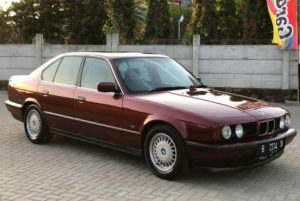 Mobil seken BMW Seri 5 E34 murah
