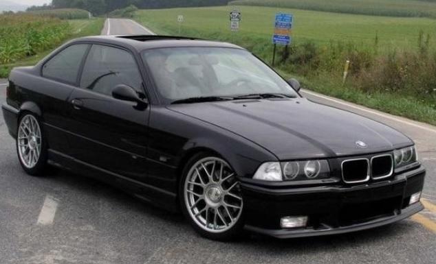 BMW E36 mobil jadul tahun 90an