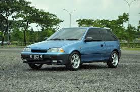 mobil hatchback dua pintu Suzuki Amenity
